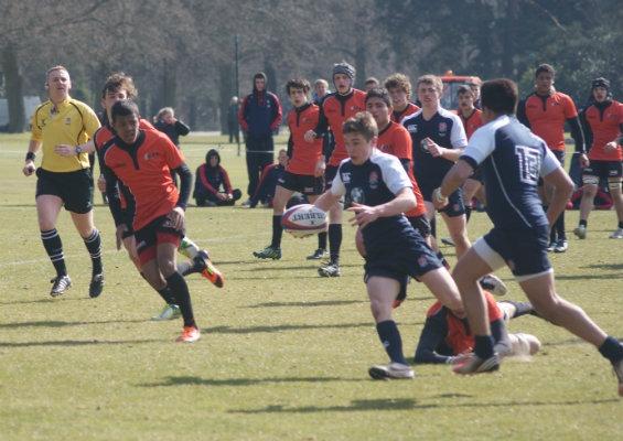 Engeland Noord U16 - Nederland U17, met tweede van rechts Ayden Verdonk (foto: inattheside.com)