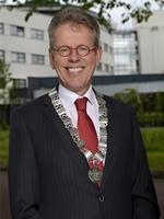 burgemeester_bijl_met_ambtsketen